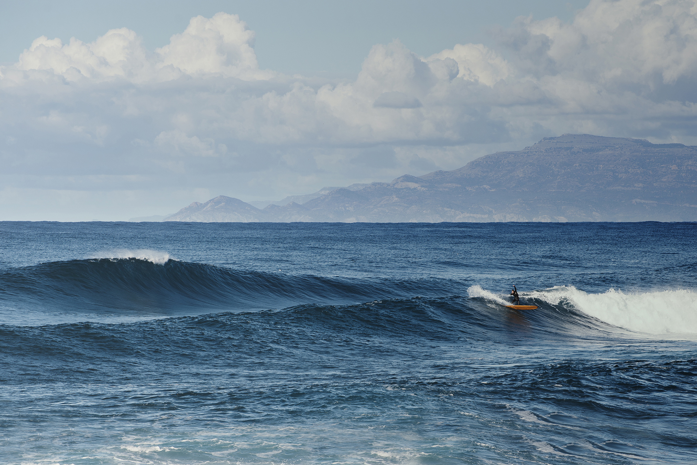 Surf in Sardinia photo: Andrea Bianchi